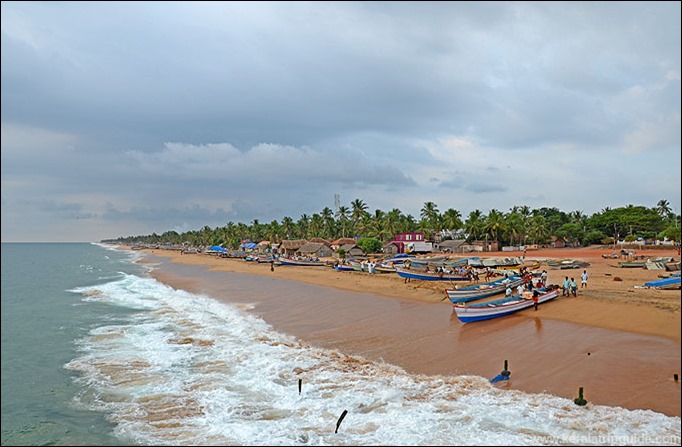 Valiathura to Sanghumugham beach view from pier